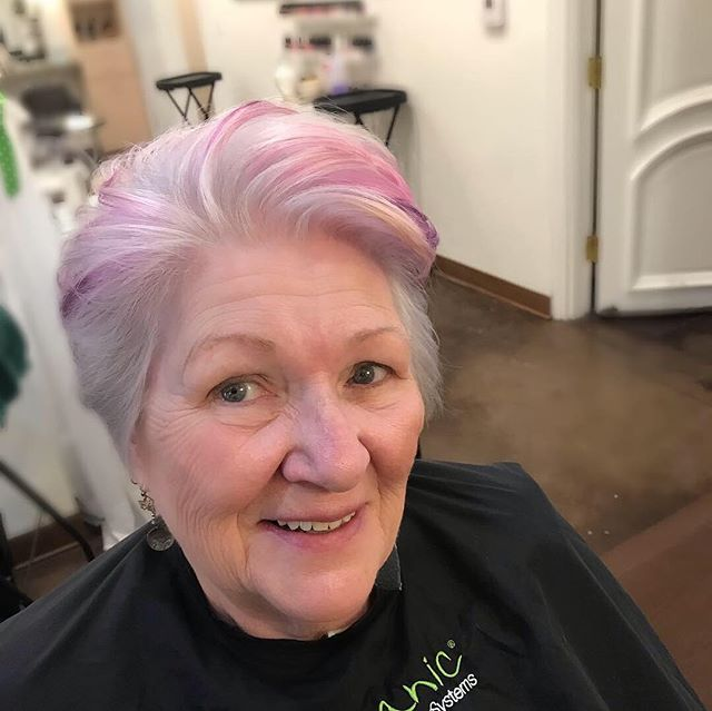 How lovely is my client? This amazing lady has been seeing me since Verde opened and each time we play with her color. Today was pink and purple with @organiccoloursystemsuk No Limits.  Beautiful, kind, adventurous... everything I want to be. 💕💜💕 #nolimits #organiccoloursystems #verde #verdesalon #pinkhaircolor