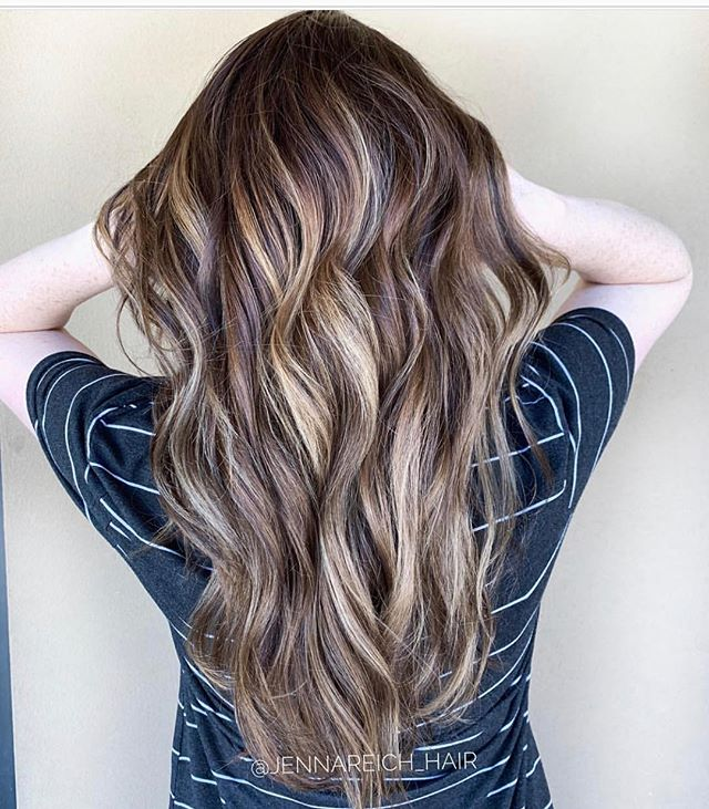 Balayage by Jenna... gorgeous, multi-dimensional, holistic Haircolor @jennareich_hair @owayorganics #verde #verdesalon #chandlersalon #balayage