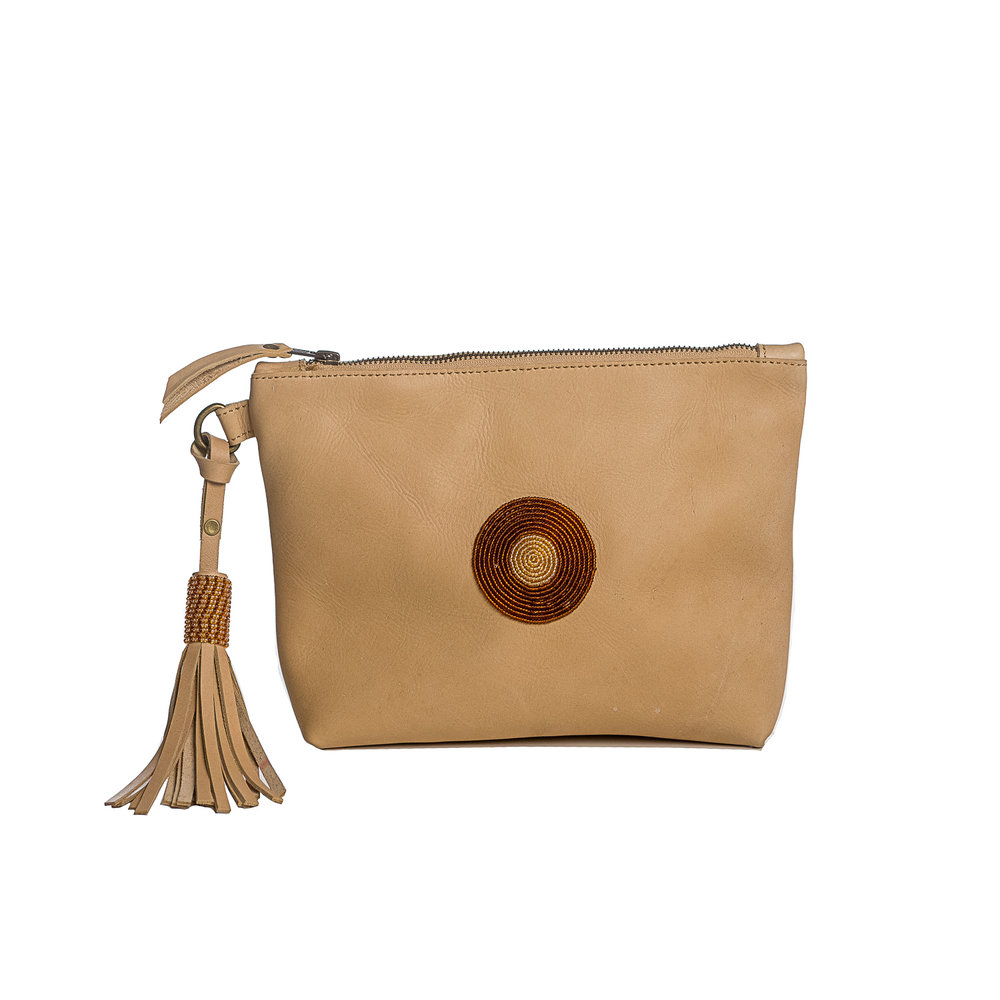 The Keely Clutch in sand