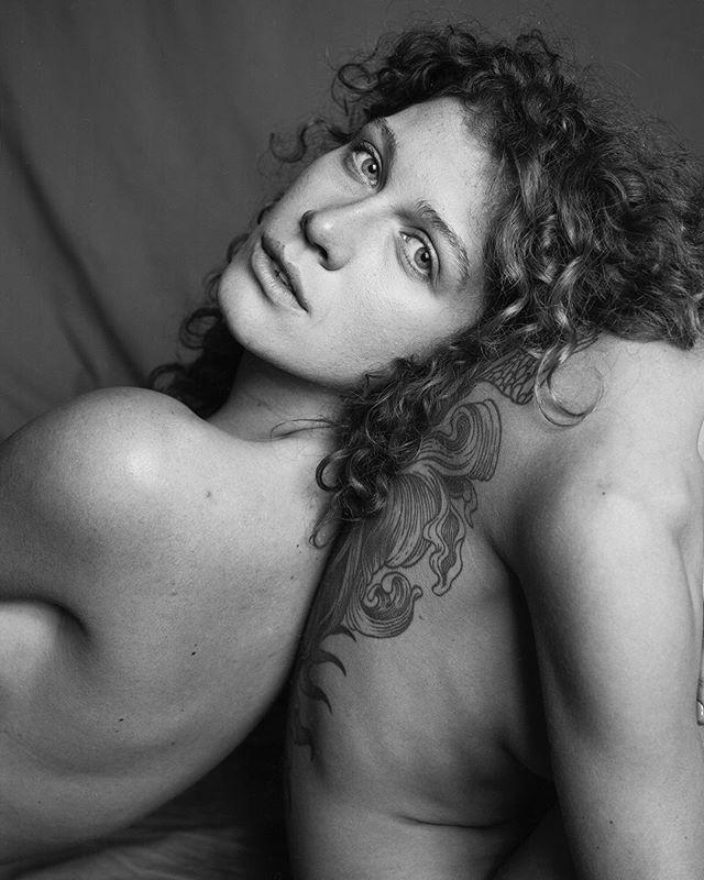 Pashkovskiy Portrait Studio  Portrait - @oksi.oks.oksi and @marycurlyyy  Arca-Swiss F-Classic 4x5+X-ray film (Fuji)