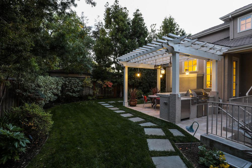 702 Rosewood Dr Palo Alto Blu Skye Media-1510-Edit-X2.jpg