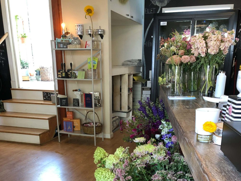 visit-sellwood-moreland-business-alliance_sellwood-flower-company.jpg