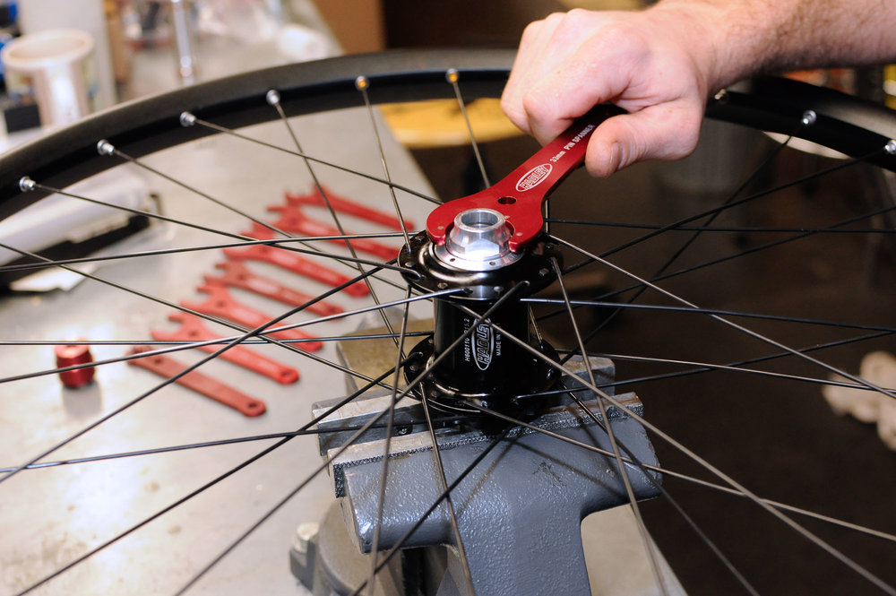 visit-sellwood-moreland-business-alliance_sellwood-cycle-repair-2.jpg