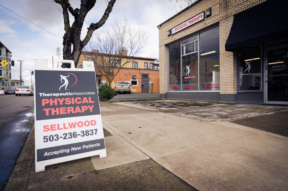 visit-sellwood-moreland-business-alliance_therapeutic-associates-3.jpg