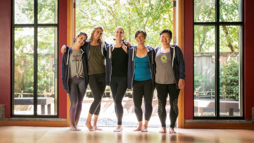 visit-sellwood-moreland-business-alliance_sellwood-yoga-align-6.jpg