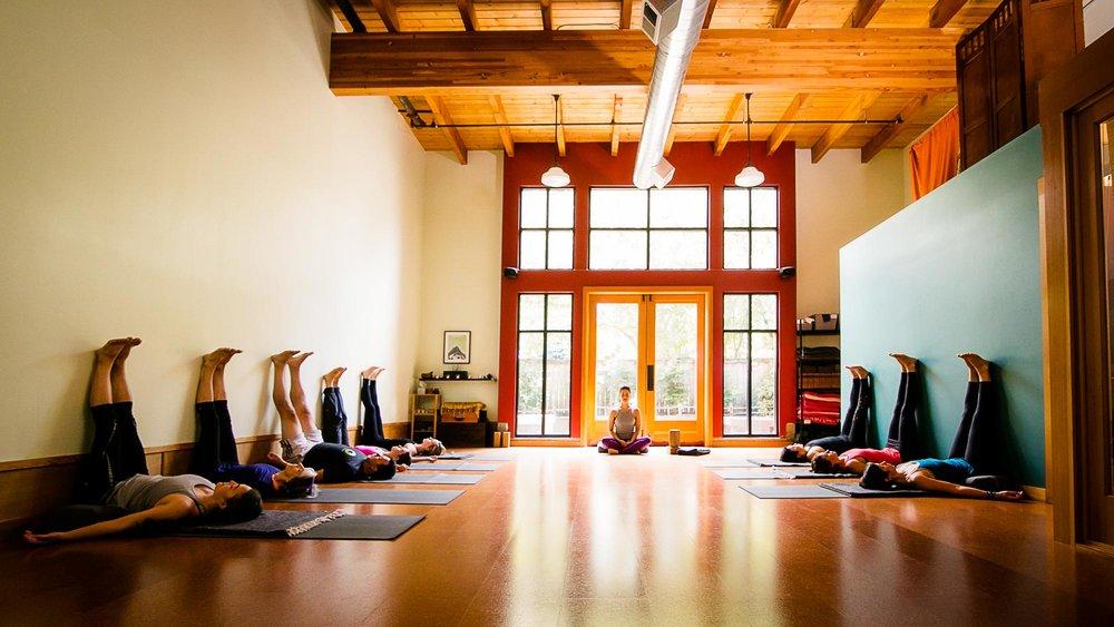 visit-sellwood-moreland-business-alliance_sellwood-yoga-align.jpg