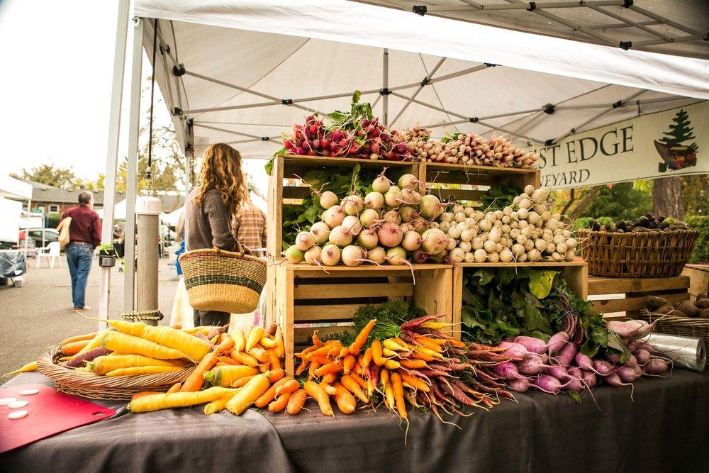 visit-sellwood-moreland-business-alliance_moreland-farmers-market-4.jpg