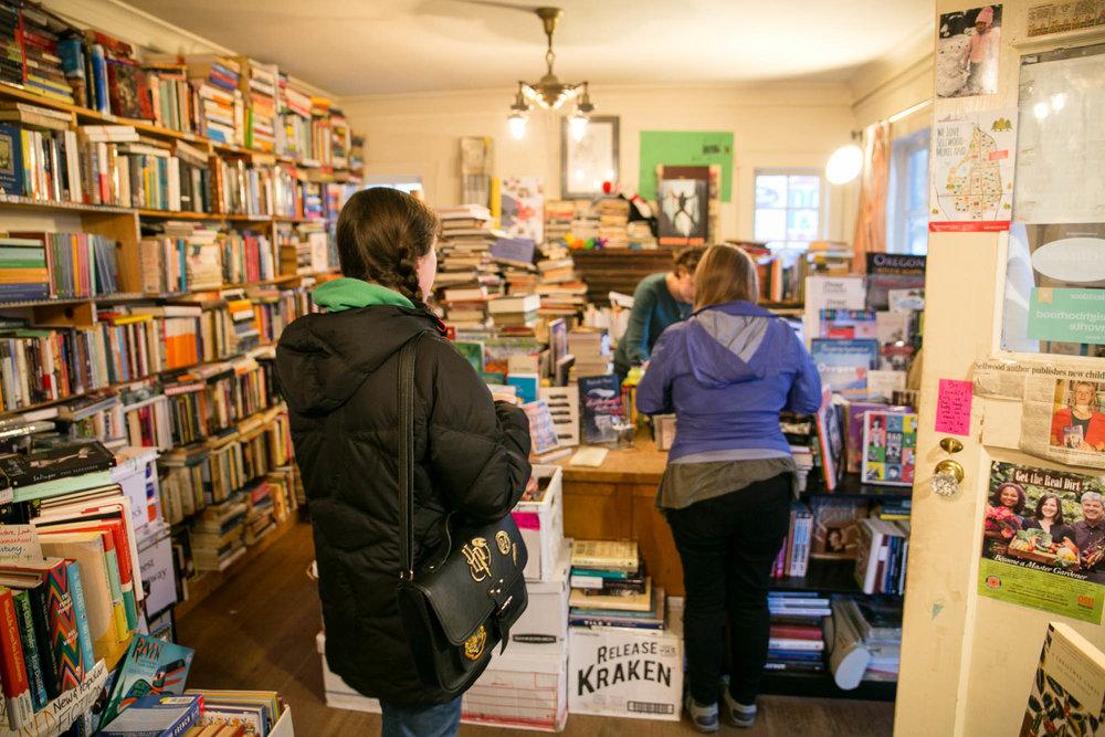 visit-sellwood-moreland-business-alliance_wallace-books-8.jpg