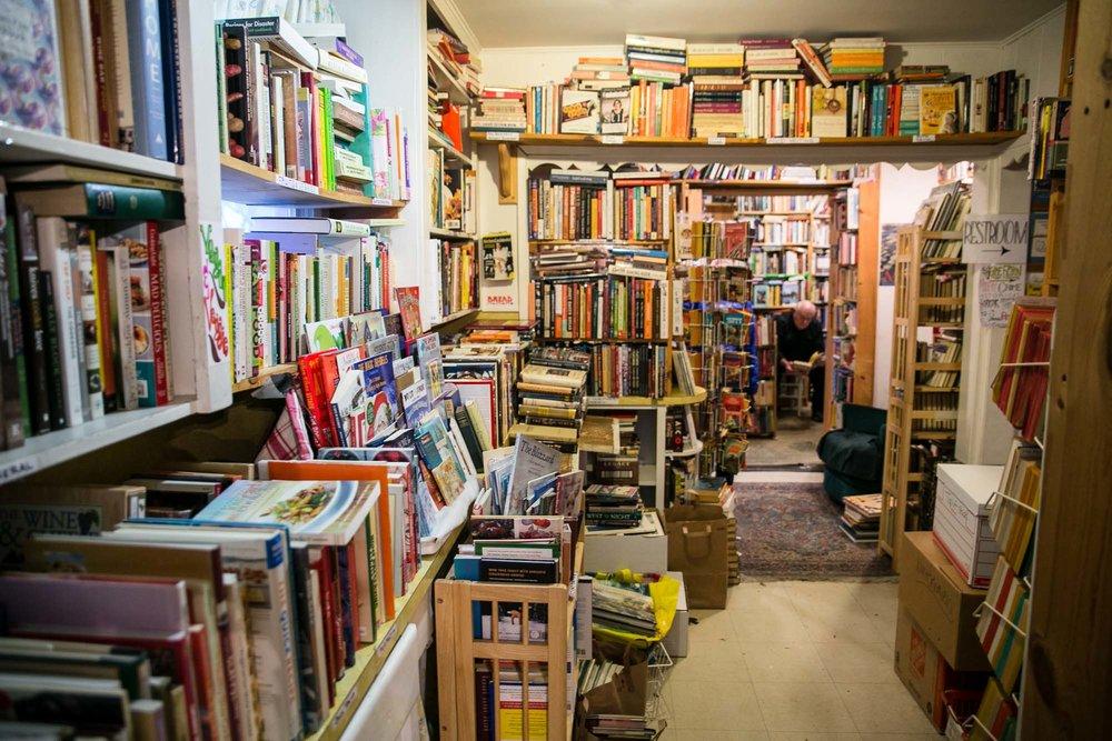 visit-sellwood-moreland-business-alliance_wallace-books-5.jpg