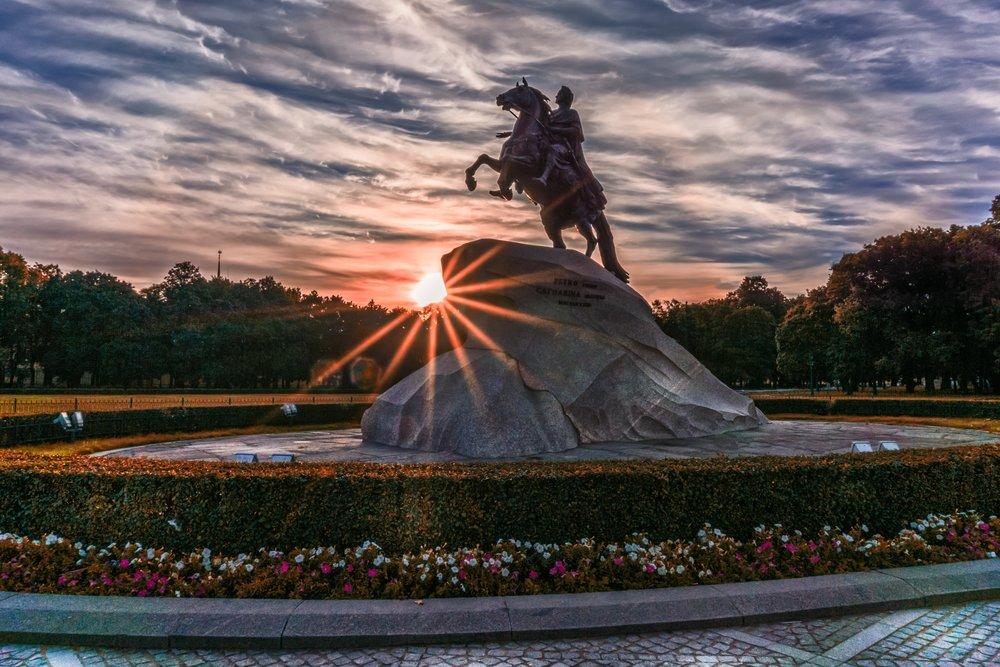 bronze-horseman-dawn-day-433567.jpg
