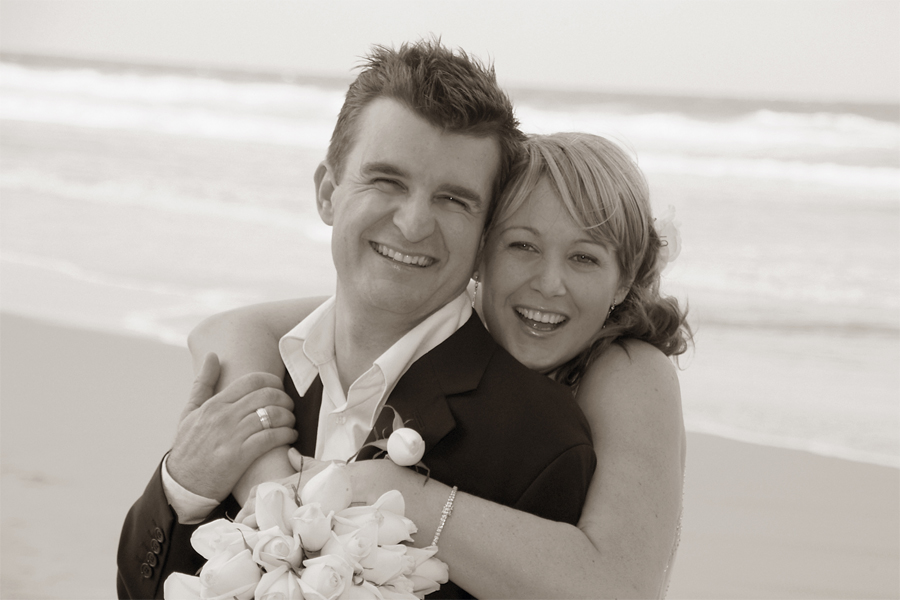 noosa-celebrant-Jo-and-Paul-Gregory.jpg