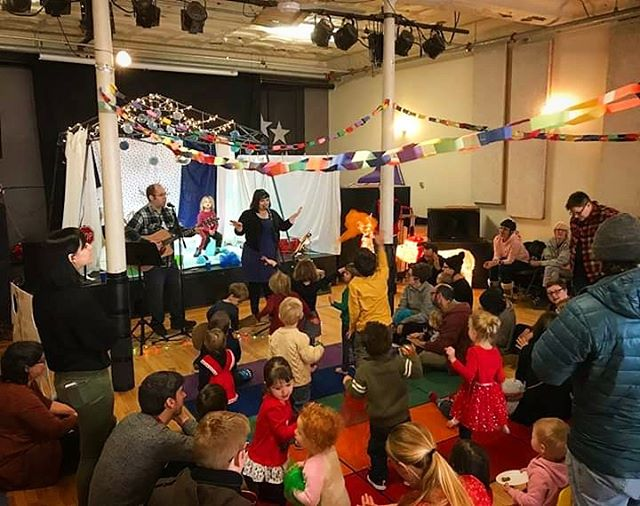Join us this Saturday from 11-12 for a special musical performance by Andy & Brandee in the MAP gallery space at @eastworks_ma 😍 Children of all ages are welcome. This event is free and open to the public. #childrensmusic #installation #easthamptonma #itsineasthampton #fortfuture