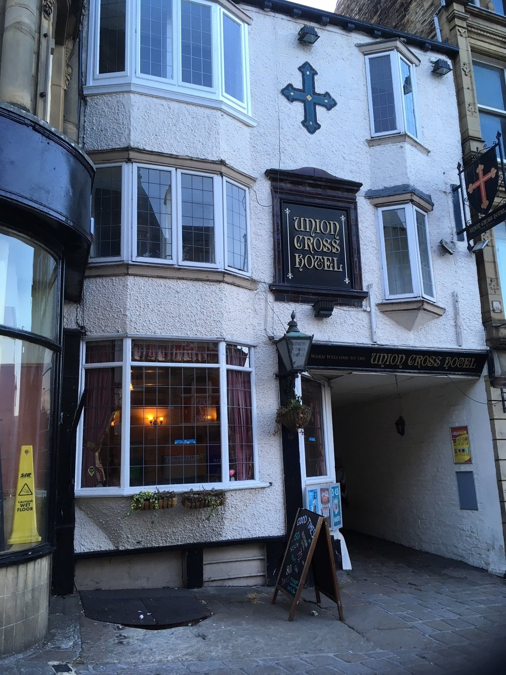 Fairbanks+History+Union+Cross+Pub+in++Halifax.jpg