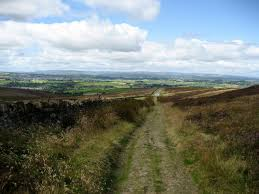 Narrow lanes or paths in Pennine Mountains