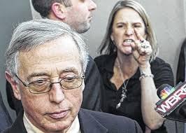 MARK CIAVARELLA - Mark Arthur Ciavarella Jr. ist ehemaliger Präsident des Amtsgerichts Luzerne in Wilkes-Barre, Pennsylvania und einer der verurteilten Richter. 2008 wurde der