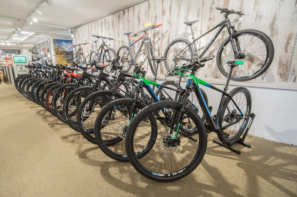 - MountainbikesE-BikesBikebekleidungBikeschuheAccessoires