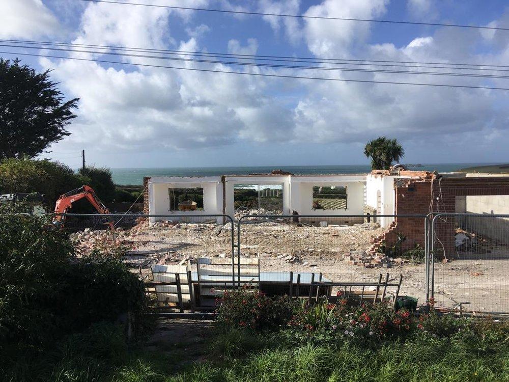 Demolishing the Bungalow (September 28th 2018)