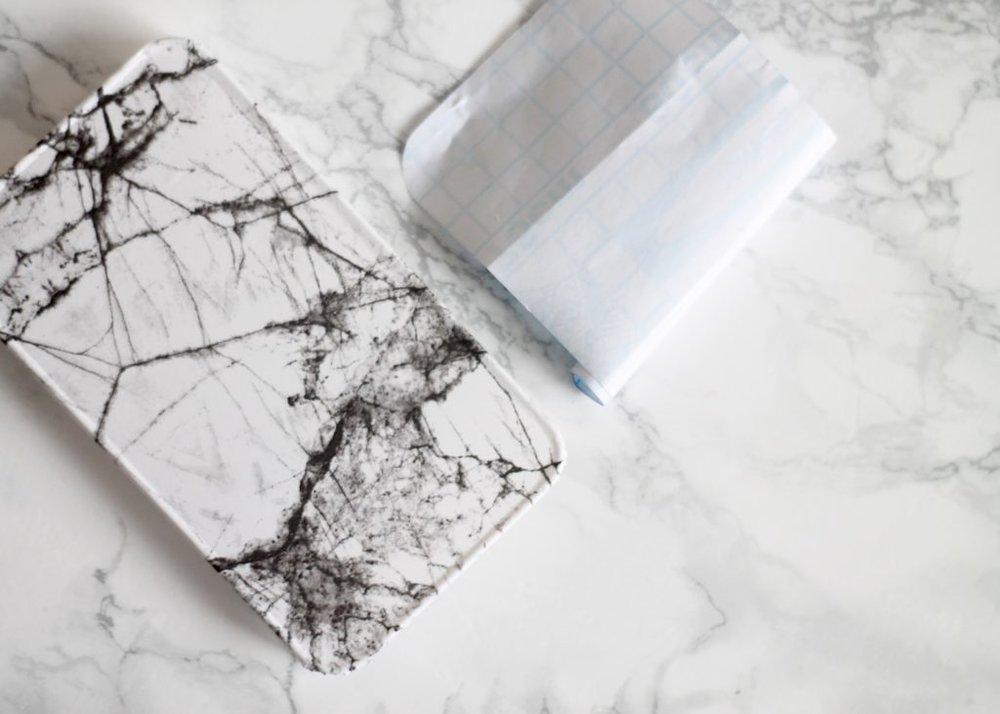 selvklæbende folie marmor