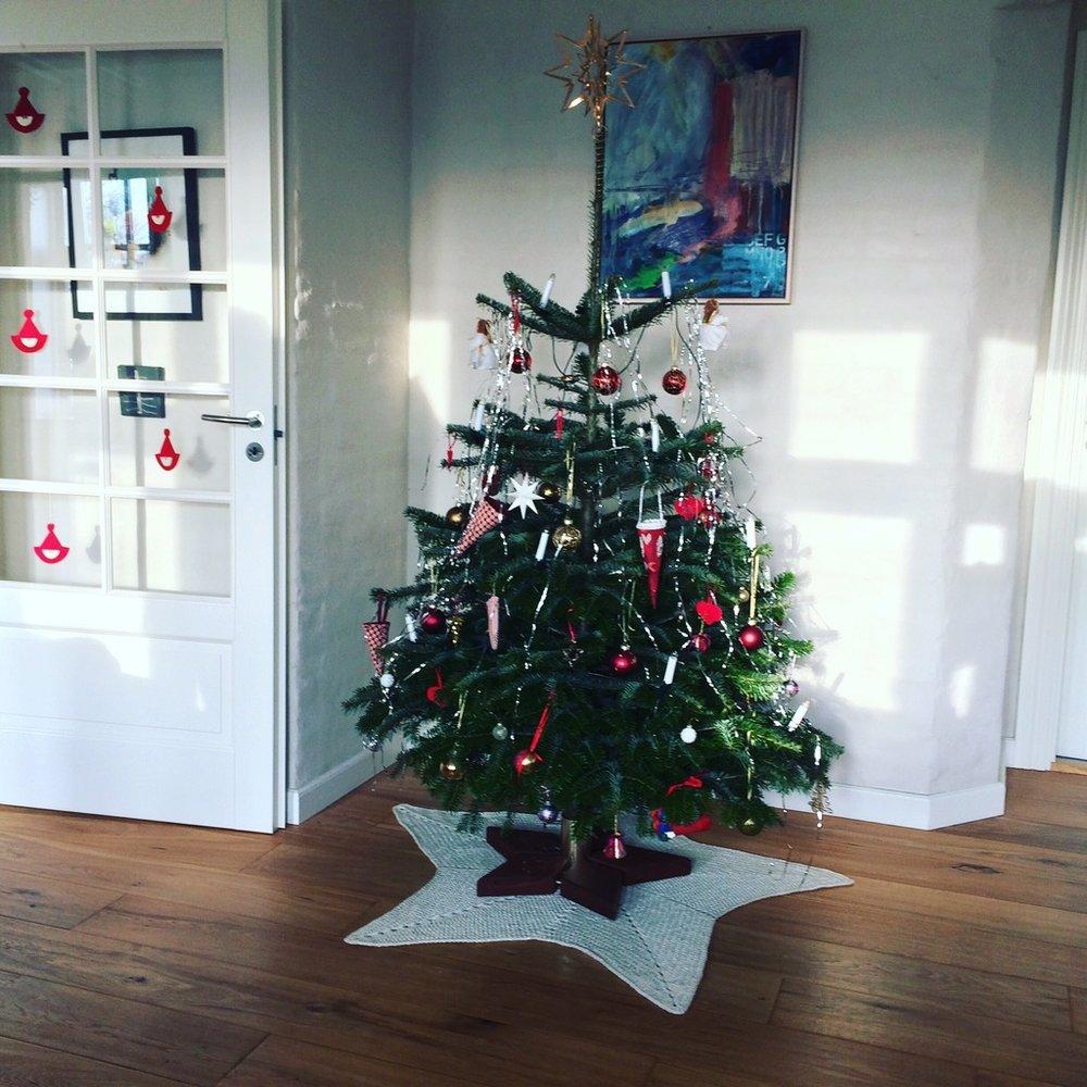 hæklet juletræstæppe