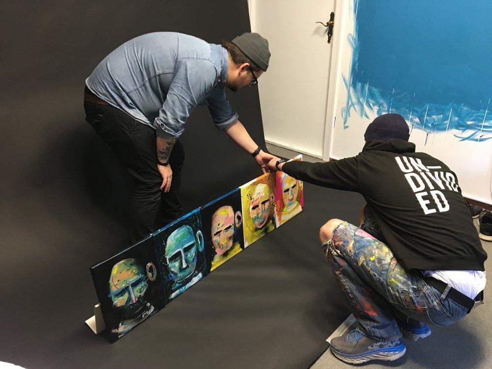 Dette bildet brukte vi da vi fortalte at vi holdt på med utstillingen til Ståle første gangen.  Men da var det så hemmelig at vi rett og slett måtte hemmeligstemple bildet!