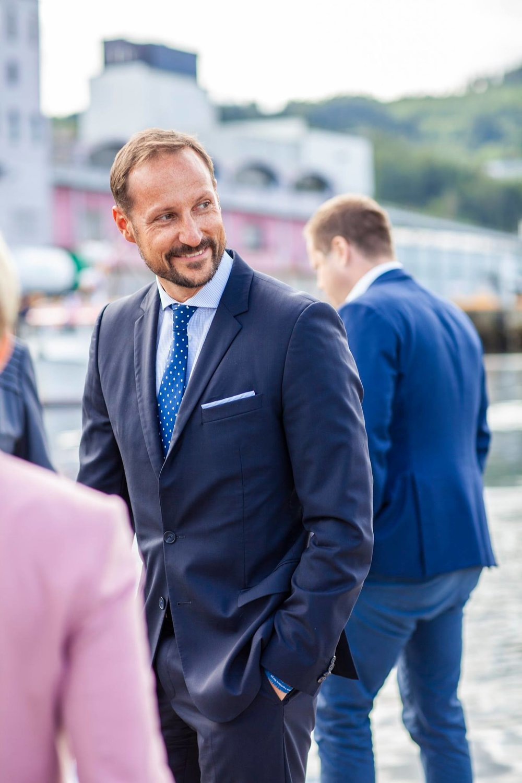 Den nest siste uka i august hang vi på Nor-Fishing som arrangeres av Trondheim Spektrum. Her samles fiskefolk fra hele verden for å dele, prate og selge både det ene og det andre innenfor havnæringen. Selveste Kronprinsen fikk vi også følge noen timer!