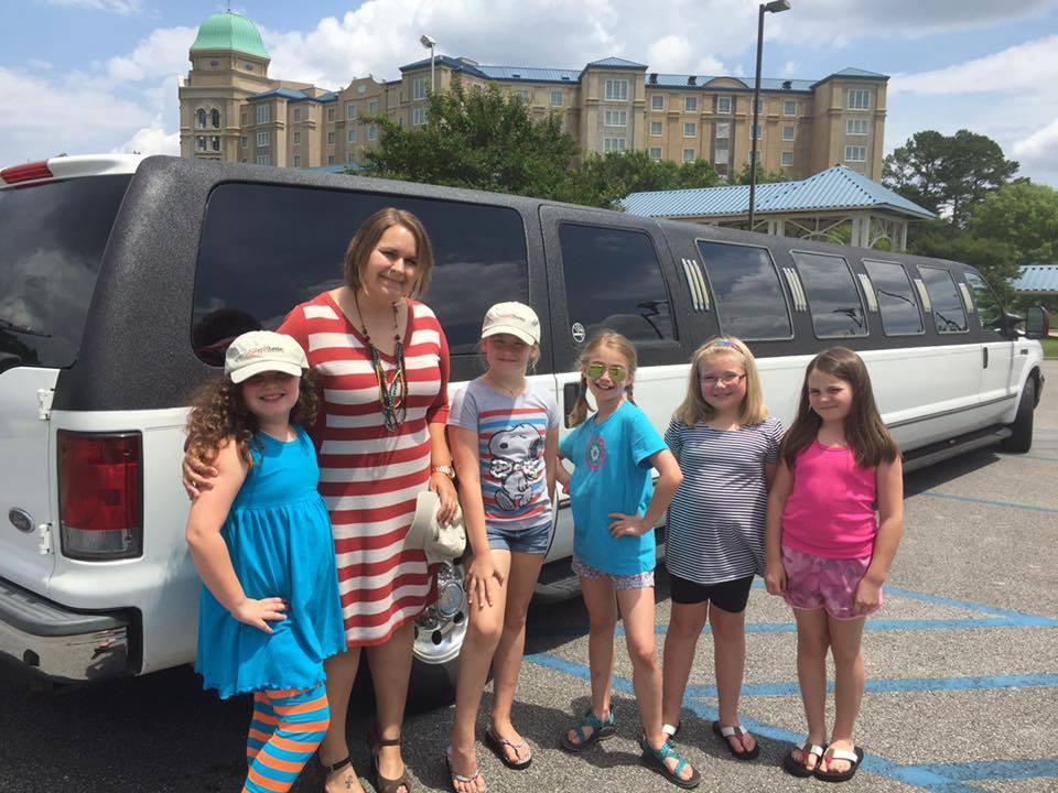 kids+limo.jpg