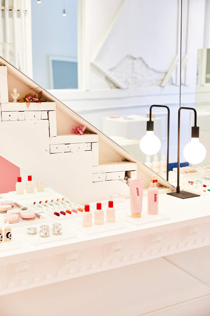Into the Gloss beauty brand Glossier opens temporary retail experience in Chicago's West Loop