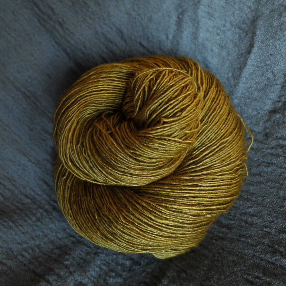 Gullinbuste shown on the Singles - Merino/Silk/Yak base.