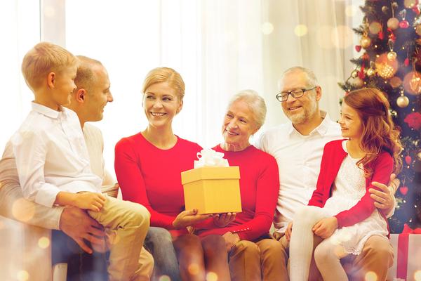bigstock-family-holidays-generation--147651122_600x.jpg