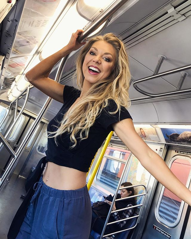 Keep the free spirit alive!💃🏼 Dancing in the NYC subway always helps with that 😉 * * * #nyc #freespirit #model #popartist #newyork #blondegirl #blondmodel #instapic #instagirl #photooftheday #trusttheprocess #lovelife #livefree #doyou #blondhair #lifestylemodel #lifestyle #healthandwellness #bornforthis