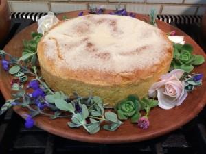 plattered cake