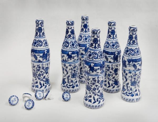 Zhang Hongtu,  KEKOU-KELE (SIX PACK) , Porcelain, 2002