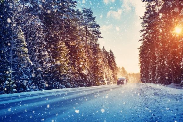 snowy_road_car.jpg