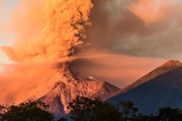 volcano_errupting.jpg
