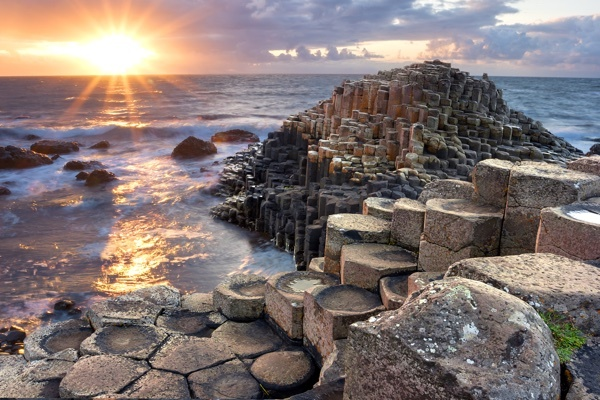 sunset_at_giants_causeway_ireland.jpg