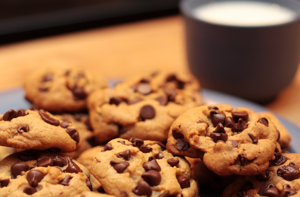 plate_of_cookies_and_milk.jpg