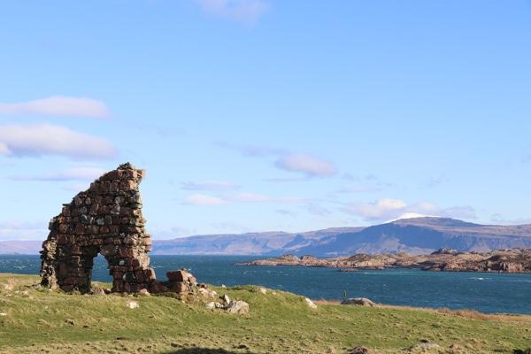 Iona_Abbey_Scotland.jpg