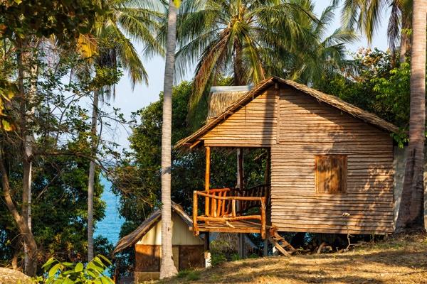 bungalow_in_thailand.jpg