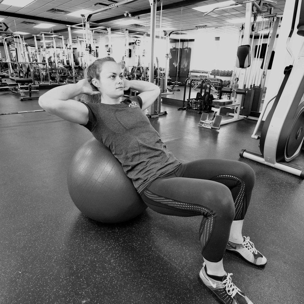 Jessi Montgomery Flex Fitness  Winnipeg Ball crunch.jpg
