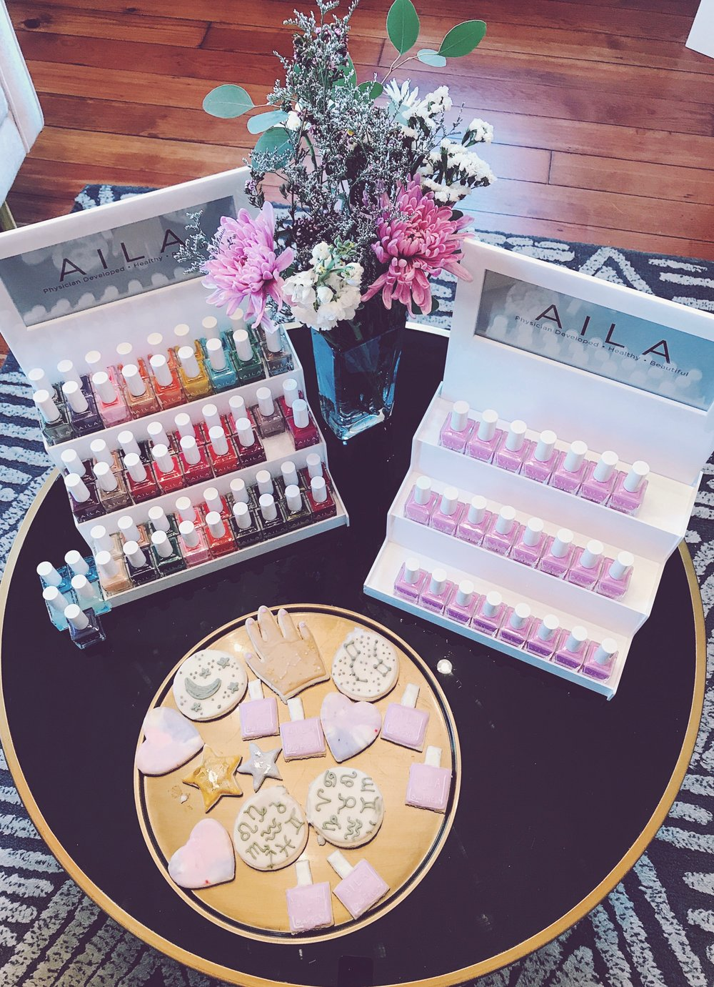Cookies by Leeuw Bake Shop + AILA's new 'Supernova' polish on the top right!
