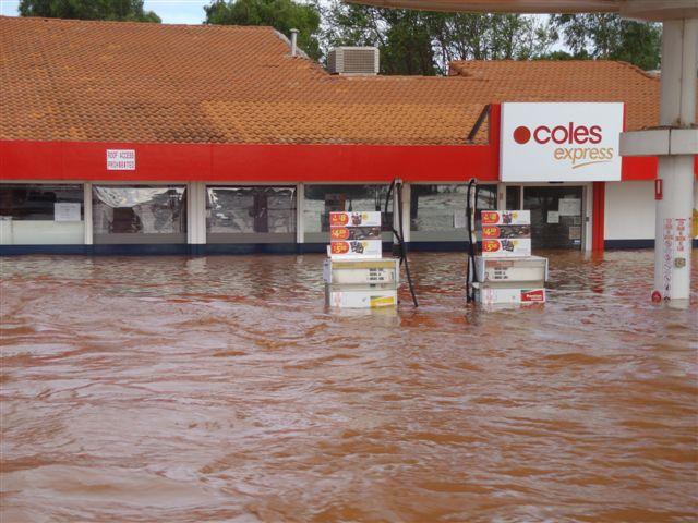 Carnarvon Flood dec 2010 (2).JPG