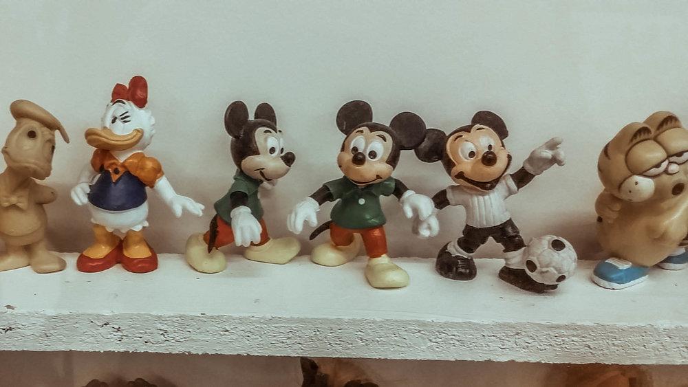 figurines1.jpg