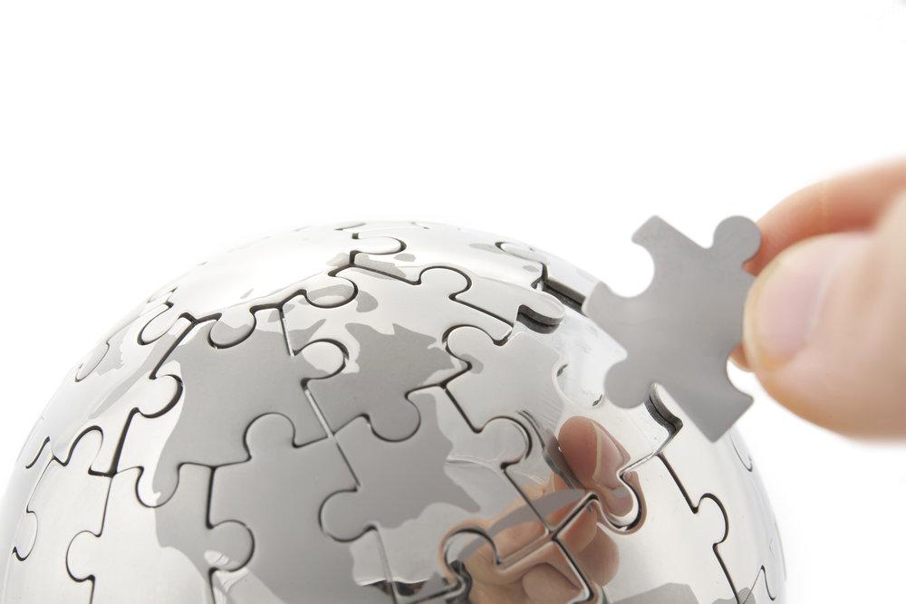 Agilis - Hand building puzzle globe