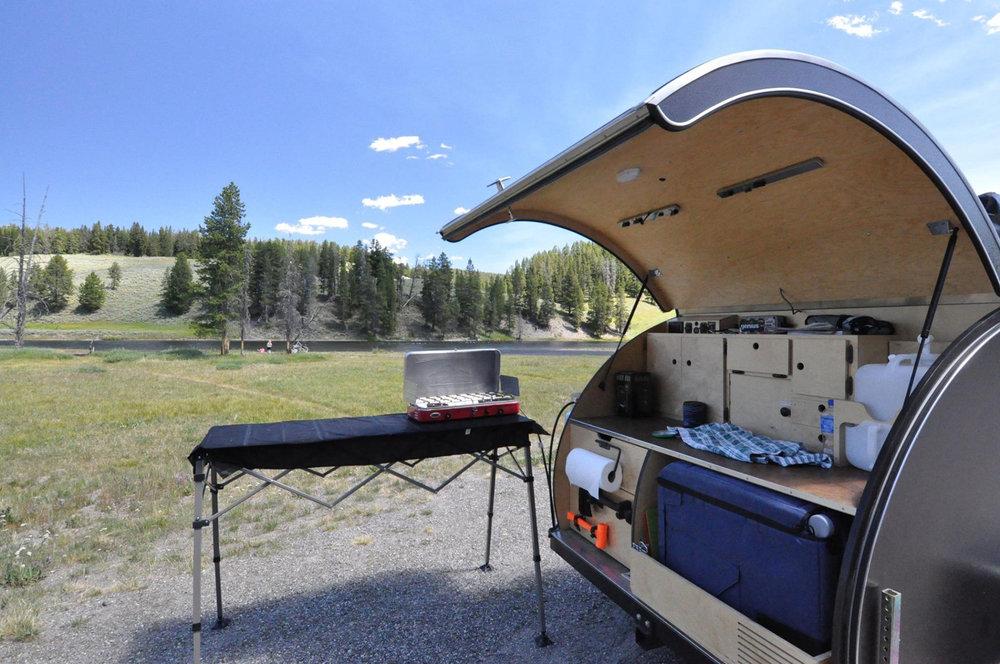 trailer-stove.jpg