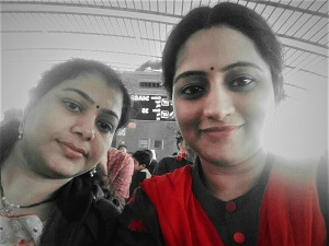 Vijaya & Lavanya   Des modèles de leadership féminin en Inde ! J'ai eu la chance de travailler avec elles pour le mouvement de changement que nous avons créé chez Sanofi Pasteur. Leur énergie, leur passion et leur créativité déplacent des montagnes. Vijaya Ponneganti, Lavanya Madhuri Sethu - des personnes tout à fait extraordinaires