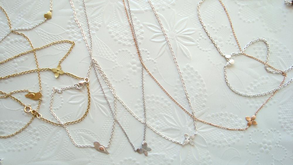 filigrane kurze Halsketten