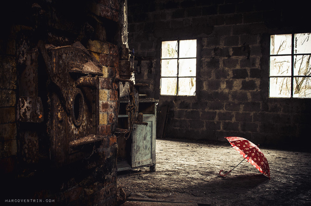 small-red-umbrella-8.jpg