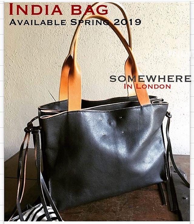 I n d i a- bag ...unique Style available now @essenzemodena @profumeriaalessandra  @dd.it  @massimo_lolli_ @bricabrac_carpi ........multiseason bag in pregiatissima pelle vegetale nera. Very cool bag!🧡🖤