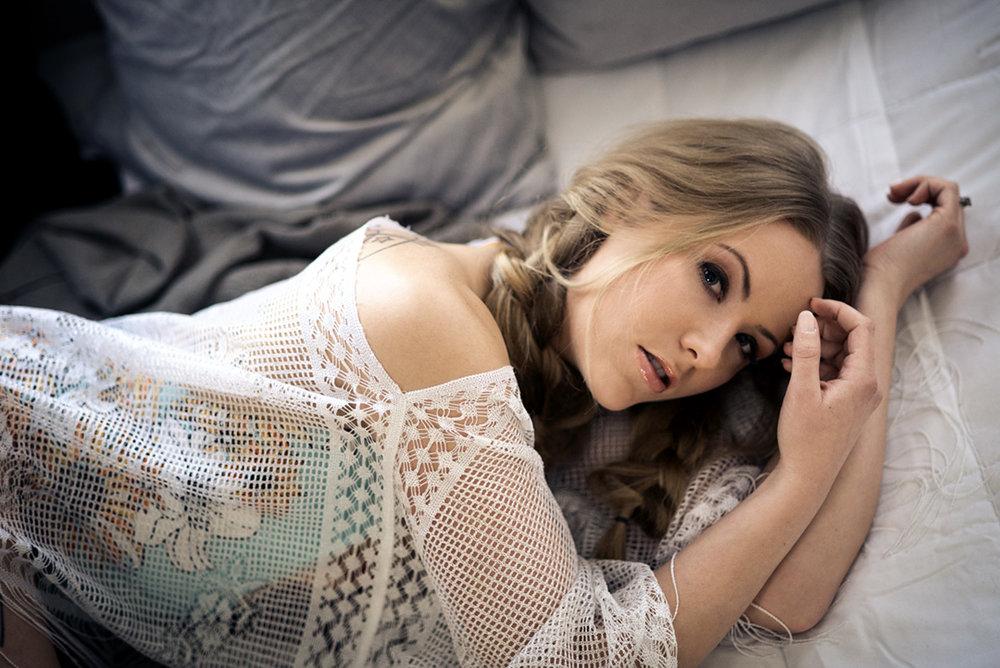 Oshkosh and Wisconsins best boudoir photographer.jpg