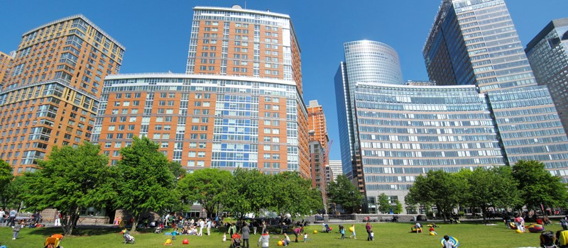 Battery Park City Master Plan : The Battery Park City plan envisioned a mixed-use community with new schools, affordable housing, waterfront green space, and large open spaces for recreation.